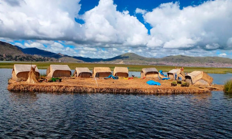 the floating islands uros