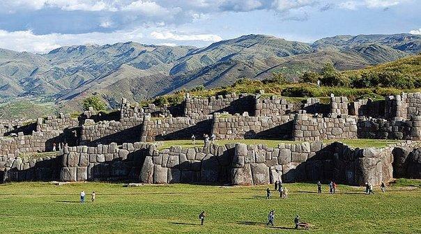 sacsayhuaman-explorandes