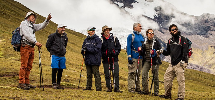 vilcanota-trek-rainbow-mountain-explorandes