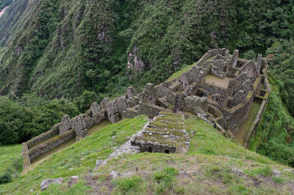 ancient ruins winay wayna machu picchu