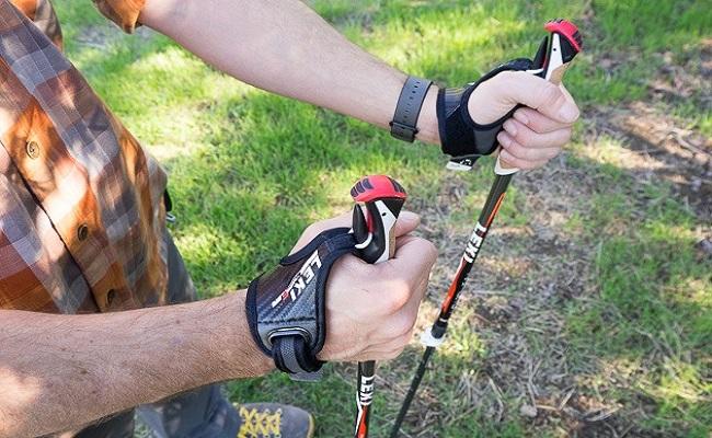 trekking-poles-hands